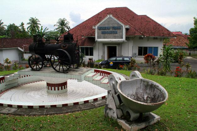 Hasil gambar untuk Museum Timah